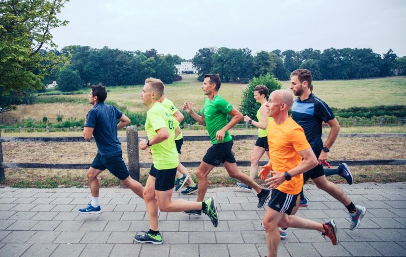 Pittige Interval Trainingen of de Gemiddelde loopsnelheid berekenen? Dat doe je bij hardloopgroep Runiversity in Arnhem.